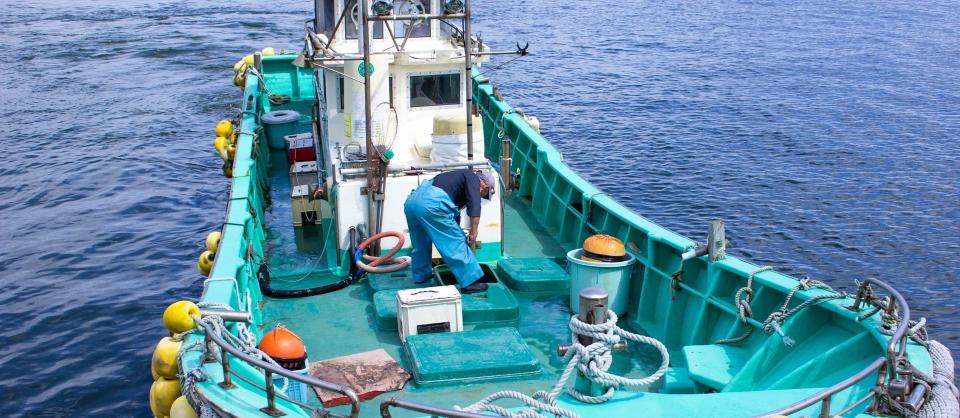 ヒラメ漁船